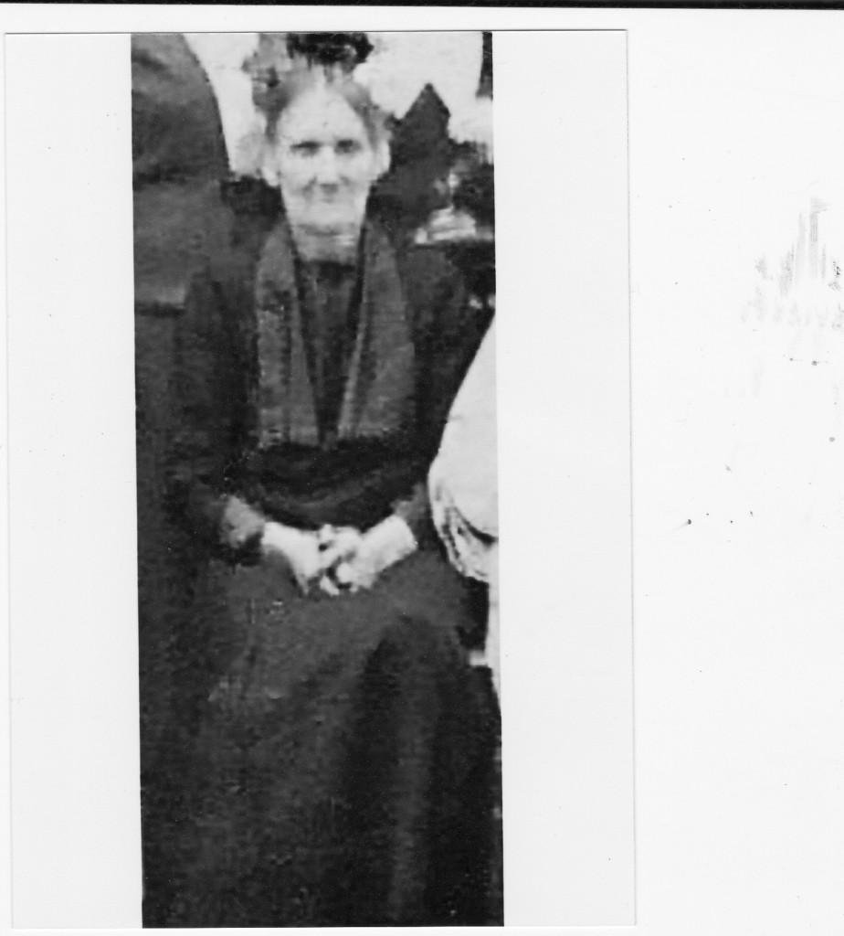 Mama Leona Hirsz