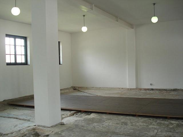 Obóz koncentracyjny Dachau. W tej łaźni zmarł 25.02.1941 r. Sługa  Boży Leon Hirsz